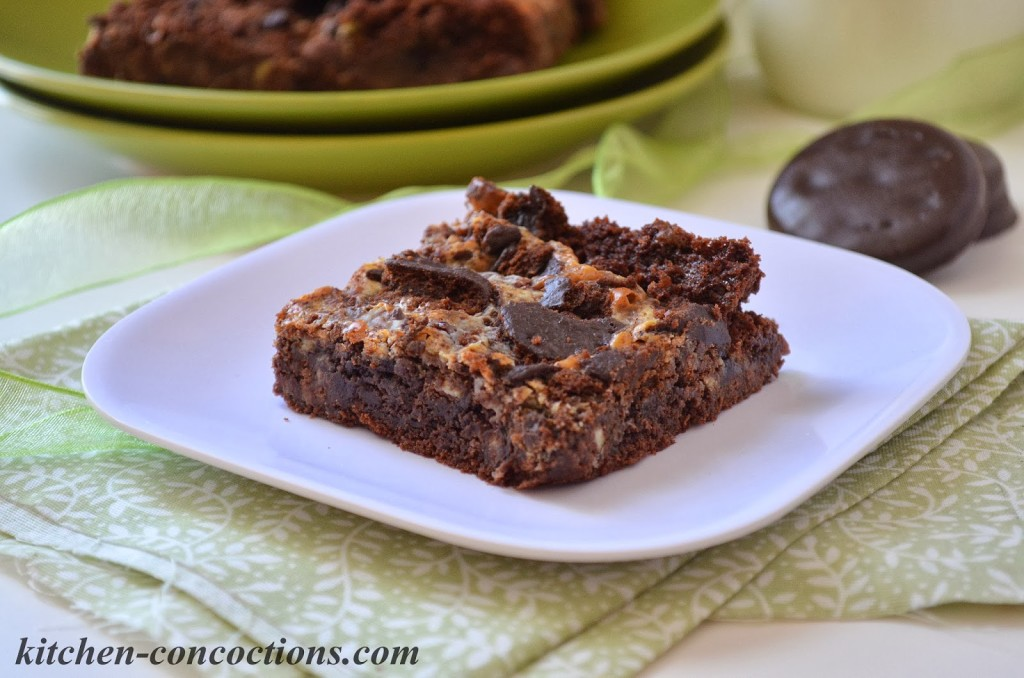 Thin Mint Gooey Cake Bars - Kitchen Concoctions