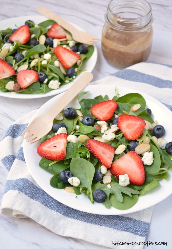 Spinach Berry Salad with Creamy Balsamic Dressing