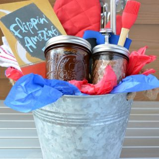 Sweet and Smoky BBQ Dry Rub {Plus Father's Day Grilling Gift Basket}